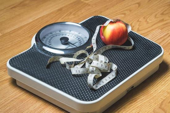 Para tomar la muestra se toma  simplemente el peso ajustado a la altura, con una balanza adecuada y un tallimetro especial o cinta métrica  bien calibrada.